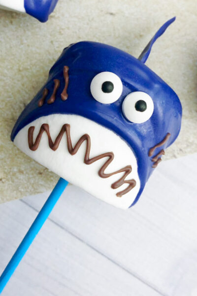 TheseShark Marshmallow Pops are easy, tasty and fun! The perfect #SharkWeek or shark party treat for the kids or shark lover in your life!