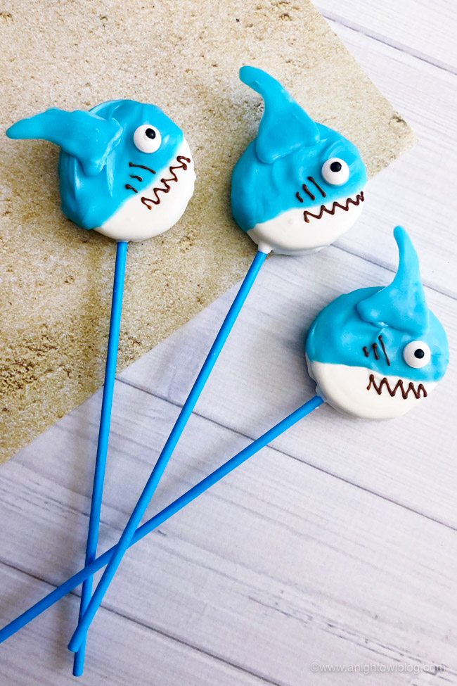 These Shark Oreo Pops are easy, tasty and fun! The perfect #SharkWeek or shark party treat for the kids or shark lover in your life!