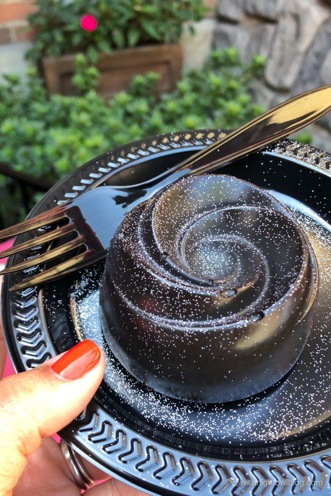 Black Rose Dessert from Red Rose Taverne | From the Mickey Mummy Macaron to the Bat Wing Raspberry Sundae, check out our picks for The BEST Disneyland Halloween Treats! #Disneyland #HalloweenTime