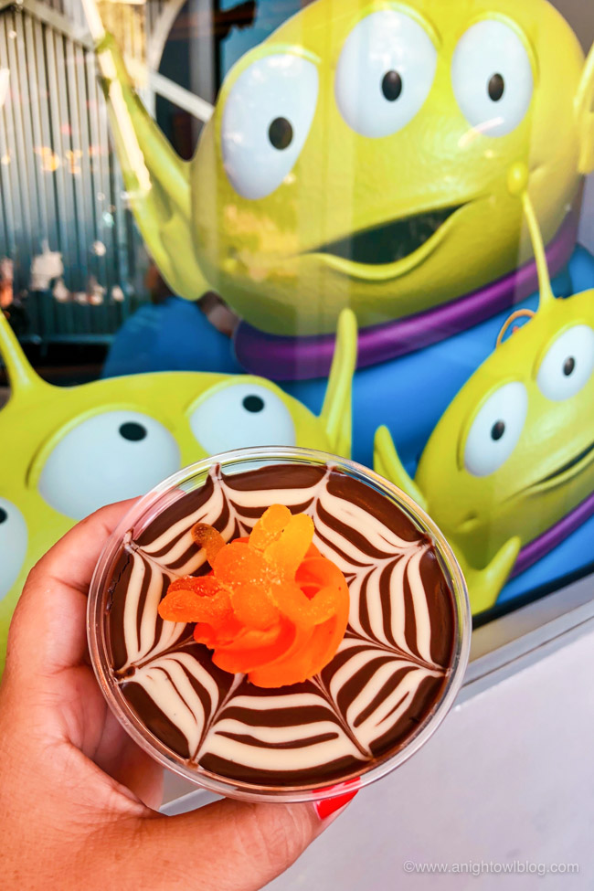 Spider Parfait from Alien Pizza Planet | From the Mickey Mummy Macaron to the Bat Wing Raspberry Sundae, check out our picks for The BEST Disneyland Halloween Treats! #Disneyland #HalloweenTime