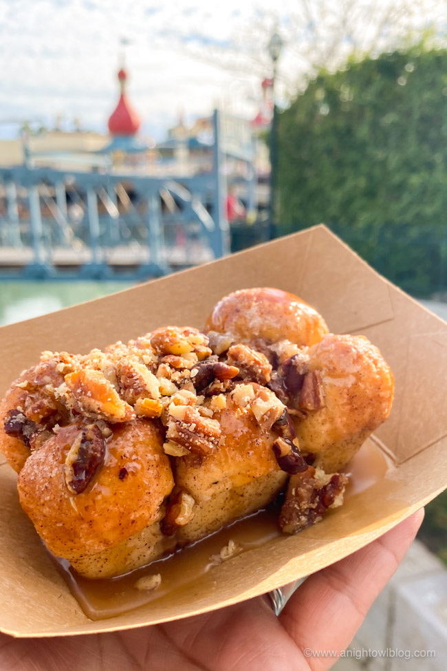 Monkey Bread from LA Style | From Mickey-Shaped Macarons to the Carbonara Garlic Mac & Cheese, there are so many great bites and brews to discover at the Disney California Adventure Food and Wine Festival!