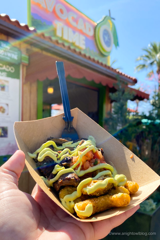 Tortilla-Crusted Fried Guacamole with Carne Asada from Avocado Time | From Mickey-Shaped Macarons to the Carbonara Garlic Mac & Cheese, there are so many great bites and brews to discover at the Disney California Adventure Food and Wine Festival!