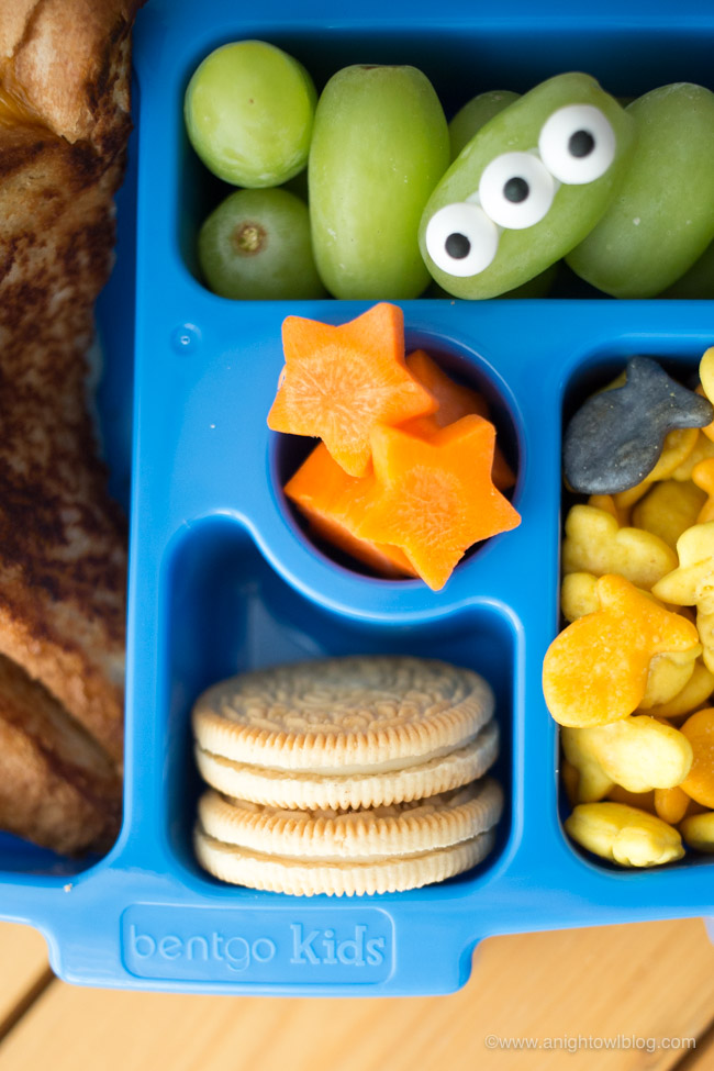 Perfect for fans of Toy Story and Goldfish Crackers, this Toy Story lunch is filled with Toy Story inspired eats and new Toy Story Goldfish Crackers!