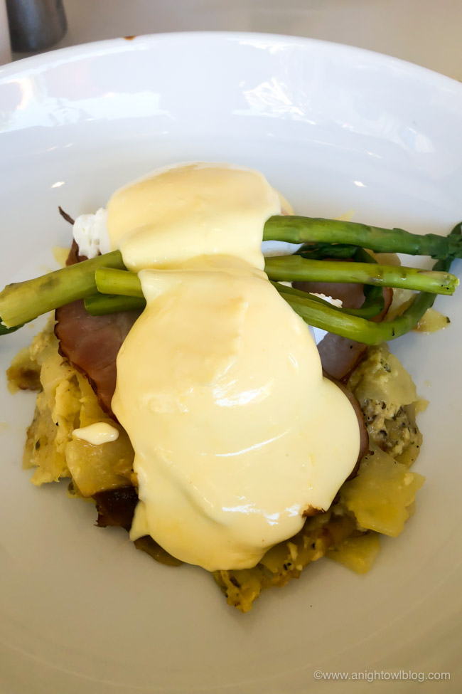 Hexx Benedict at Hexx Kitchen + Bar