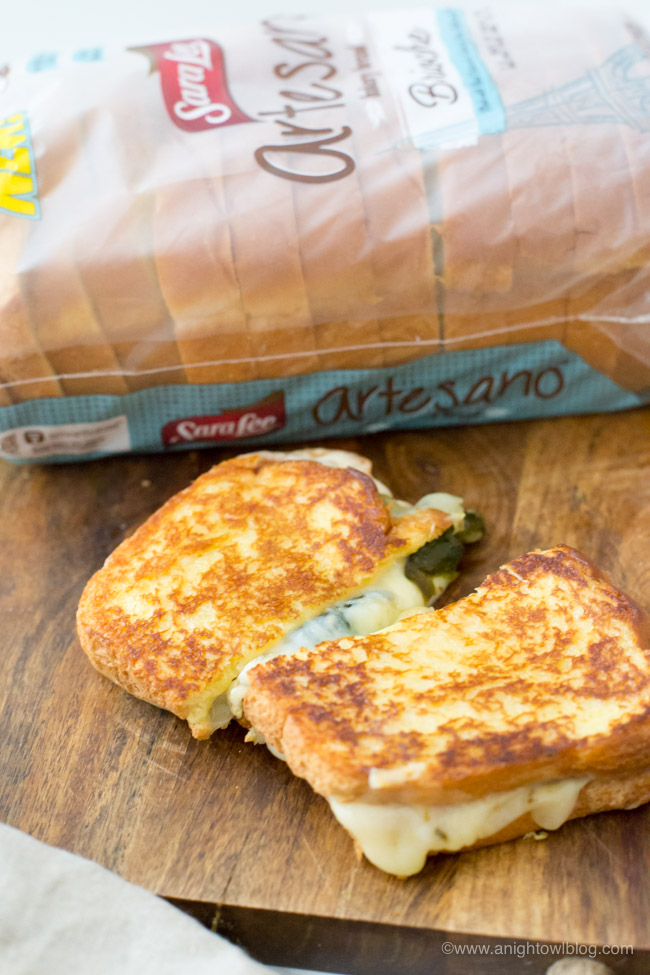 With a freshly roasted poblano, pepper jack and cream cheese on Sara Lee® Artesano™ Brioche Bread, this Roasted Poblano Grilled Cheese Sandwich will become your new fall favorite!
